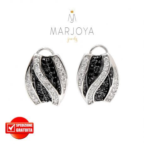 Orecchini rettangolari a lobo con pavè di zirconi bianchi e neri in argento 925