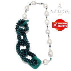 Collana in pietre dure con perle barocche e cerchi di quarzo verde in argento 925 rodiato