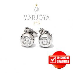 Orecchini punto luce cipollina in oro bianco 18 kt con diamanti ct. 0,28