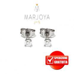 Orecchini punto luce griffe in oro bianco 18 kt con diamanti ct. 0,16