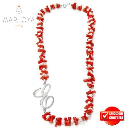 """Collana in corallo,perle naturali d'acqua dolce e iniziale """"e"""" in argento 925"""