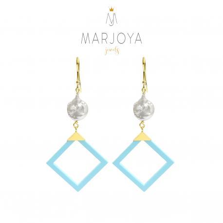 Orecchini con turchese, perle e argento dorato, pendenti